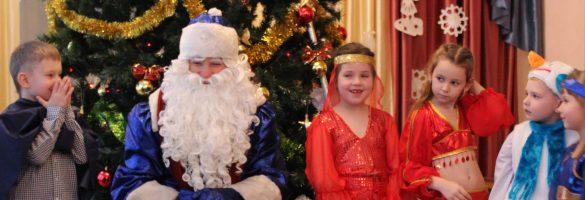 Новогодний праздник в группе старшего дошкольного возраста 6-7 лет «Непоседы»